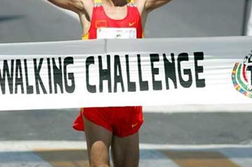 China's Gadasu Alatan takes the 50km winning tape (www.conade.gob.mx)