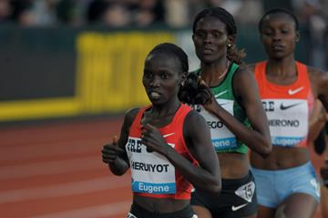 Vivian Cheruiyot wins the 5000m in Eugene (Kirby Lee)