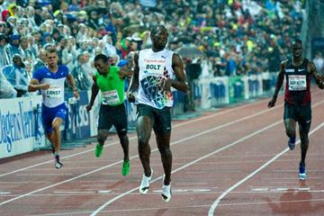 Usain Bolt beats the rain in Oslo - world-leading 19.86 (Hasse Sjögren)
