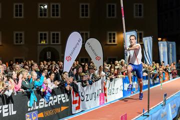Renaud Lavillenie competing in Salzburg (Salzburg Cityjump / Michael Rauschendorfer)