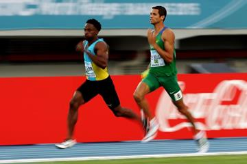 Ramon Miller of The Bahamas and Hugo De Sousa of Brazil in the 4x400m heats at the IAAF/BTC World Relays, Bahamas 2015 (Getty Images)