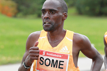 Peter Some in action during the Toronto Waterfront Marathon (Canada Running Series)