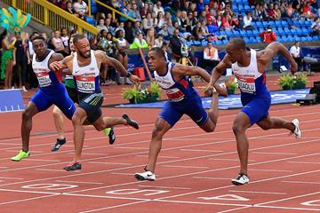 James Dasaolu (right) edges CJ Ujah and James Ellington in the men's 100m at the British championships in Birmingham (Getty Images)