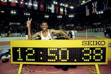 Haile Gebrselassie after breaking the world indoor 5000m record at the 1999 Birmingham indoor meeting (Getty Images)