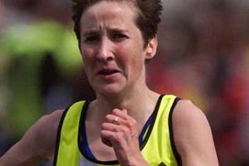Catherina McKiernan of Ireland en route to winning the 1998 London Marathon (Getty Images)