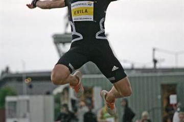 Tommi Evilä jumping in Joensuu (Paula Noronen)