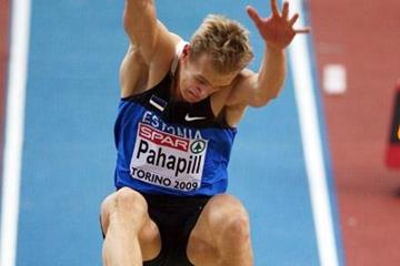 Combined eventer Mikk Pahapill smashes his long jump PB with a leap of 7.97m in the heptathlon at the 2009 European Indoor Championships (Getty Images)