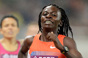Francine Niyonsaba on her way to winning the 800m (Jiro Mochizuki)