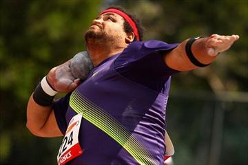 Reese Hoffa unleashes a 21.08m effort in Hobart (Getty Images)
