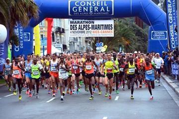 The start of the 2012 Marathon des Alpes-Maritimes Nice-Cannes (organisers)