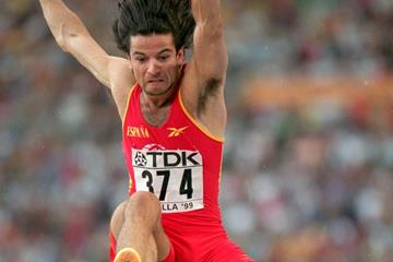 Yago Lamela in action in the men's long jump final at the 1999 IAAF World Championships (Getty Images)