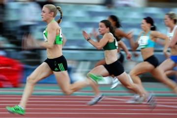Sally Pearson cruises through the opening round of the 100m at the Australian championships in Melbourne (Getty Images)