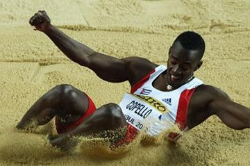 Alexis Copello of Cuba competes in the Men's Triple Jump qualification during day two - WIC Istanbul (Getty Images)