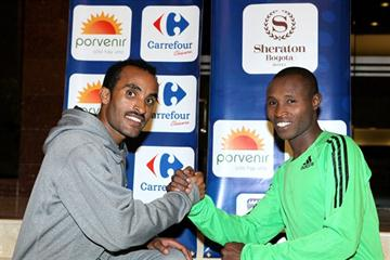 Deriba Merga of Ethiopia and Kenya's Geoffrey Mutai ahead of the 2011 Media Maratón de Bogotá (Victah Sailer - Photo Run)