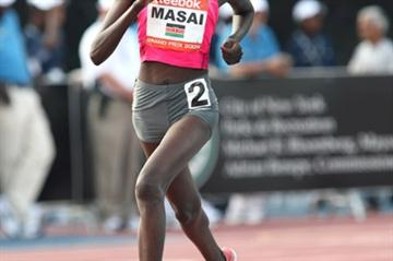 Linet Masai en route to her upset victory over Tirunesh Dibaba in New York (Victah Sailer)