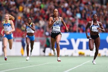 Having won the 200m 24 hours prior, Sanya Richards makes it a long sprint double in Stuttgart by winning the 400m (Getty Images)