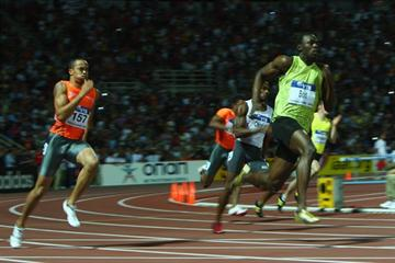 Usain Bolt blasts the bend in the men's 200m en route to his 19.68 victory (Getty Images)