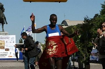 Peter Biwott winning the Alexander the Great Marathon in Thessaloniki (Organisers)