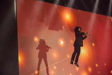 Violinist Ara Malikian flying through the air at the IAAF Centenary Gala in Barcelona (Philippe Fitte)