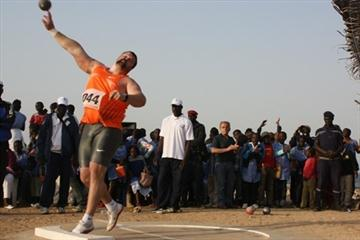 Christian Cantwell dominates with a 21.53m toss on Goree Island (Mark Ouma)
