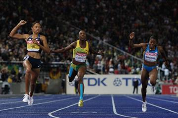 History in the making, Allyson Felix crosses the line to become the World Champion over 200m for the third time (Getty Images)
