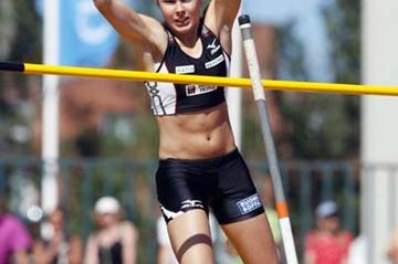 Vanessa Vandy takes the Pole Vault title at 2008 Finnish nationals (Mika Kanerva)