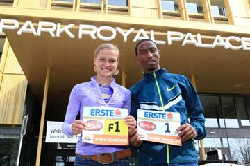Anna Hahner and Getu Feleke ahead of the 2015 Vienna City Marathon (Victah Sailer / organisers)