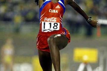 Mabel Gay leaps out to World Junior women's gold (Getty Images)