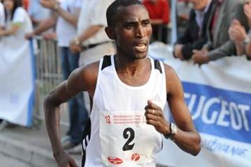 Musau Mwanzia (KEN) on his way to winning in Brcko, Bosnia and Herzegovina (organisers)