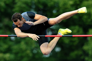 Pole vault winner Renaud Lavillenie in Ostrava (AFP / Getty Images)