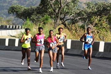 2009 Obudu Mountain Running Race - in action from left Ethiopians Mamitu Deska (35), Rahima Kedir (38), Mestawat Tufa (37), Meselech Melkamu (36) and Margaret Wangare (53) of Kenya (Mark Ouma)