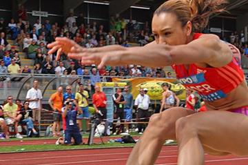 Jessica Ennis sails towards a national record in Gotzis (plohe.com)
