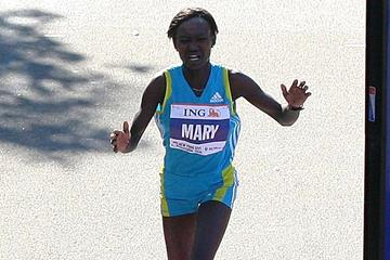 Defending champion Keitany heads women's field for New ...