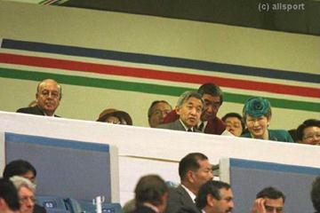 Emperor Akihito and the Empress of Japan with IAAF president Primo Nebiolo (© Allsport)