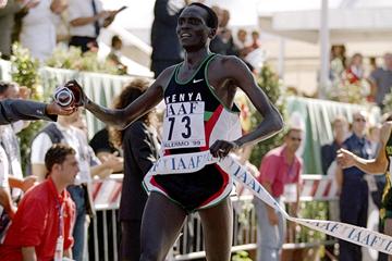 Paul Tergat wins in Palermo (© Allsport)