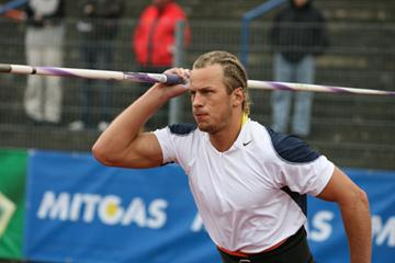 Vadims Vasilevskis of Latvia reaching 88.12 in Dessaug (Chai von der Laage)