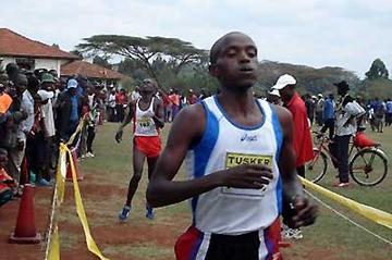 Festus Langat wins opening XC of 2006 season in Nairobi (Peter Njenga)