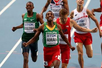 Mohammed Aman and Nick Symmonds in the mens 800m Final at the IAAF World Athletics Championships Moscow 2013 (Getty Images)