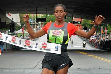 Mamitu Daska takes another 5km victory in Albany (Steve Jacobs sjpics.com)