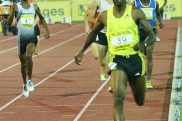 Comfortable victory for Mbulaeni Mulaudzi in his first 800m outing of the season (Mark Ouma)