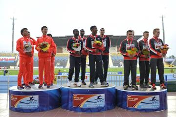 The men's 4x100m medallists on the podium at the IAAF World U20 Championships Bydgoszcz 2016 (Getty Images)