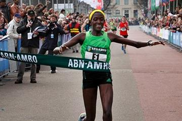 All smiles - Philomena Chepchirchir after her commanding victory at the 2011 City-Pier-City Half Marathon in The Hague (CPC Organisers)