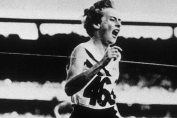 Betty Cuthbert portrait image 600 x 400 (Getty Images)