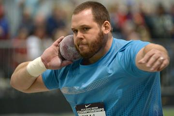 Ryan Whiting in action at the 2014 US Indoor Championships (Kirby Lee)