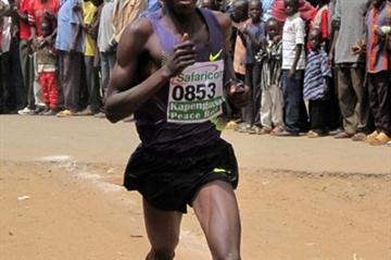 Levi Matebo wins the 2010 Tegla Loroupe Peace Run (David Macharia)
