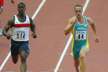 Matt Shirvington in the men's 100m heats at the 2003 IAAF World Championships (Getty Images)