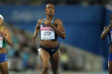 Carmelita Jeter in action in the 200m semi-finals (Getty Images)