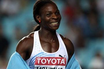 Amantle Montsho of Botswana celebrates winning the 400m gold in Daegu (Getty Images)