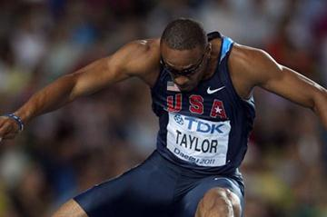 Defending champion Angelo Taylor advances to the 400m Hurdles final (Getty Images)