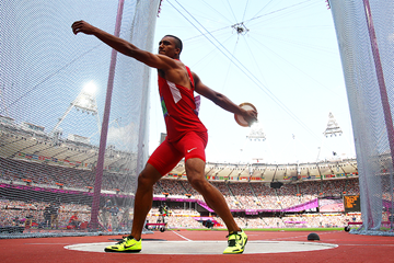 Ashton Eaton in the decathlon discus at the London 2012 Olympic Games (Getty Images)